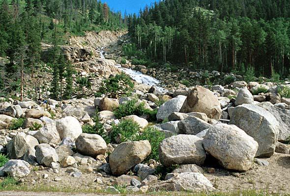 Gambar 6. Granit Wash Yang Tererosi Dari Tinggian Wichita/Amarillo, Oklahoma dan Terdeposisi Sepanjang Batas Flank Utara dan Selatan (www.ogs.ou.edu, 2010).